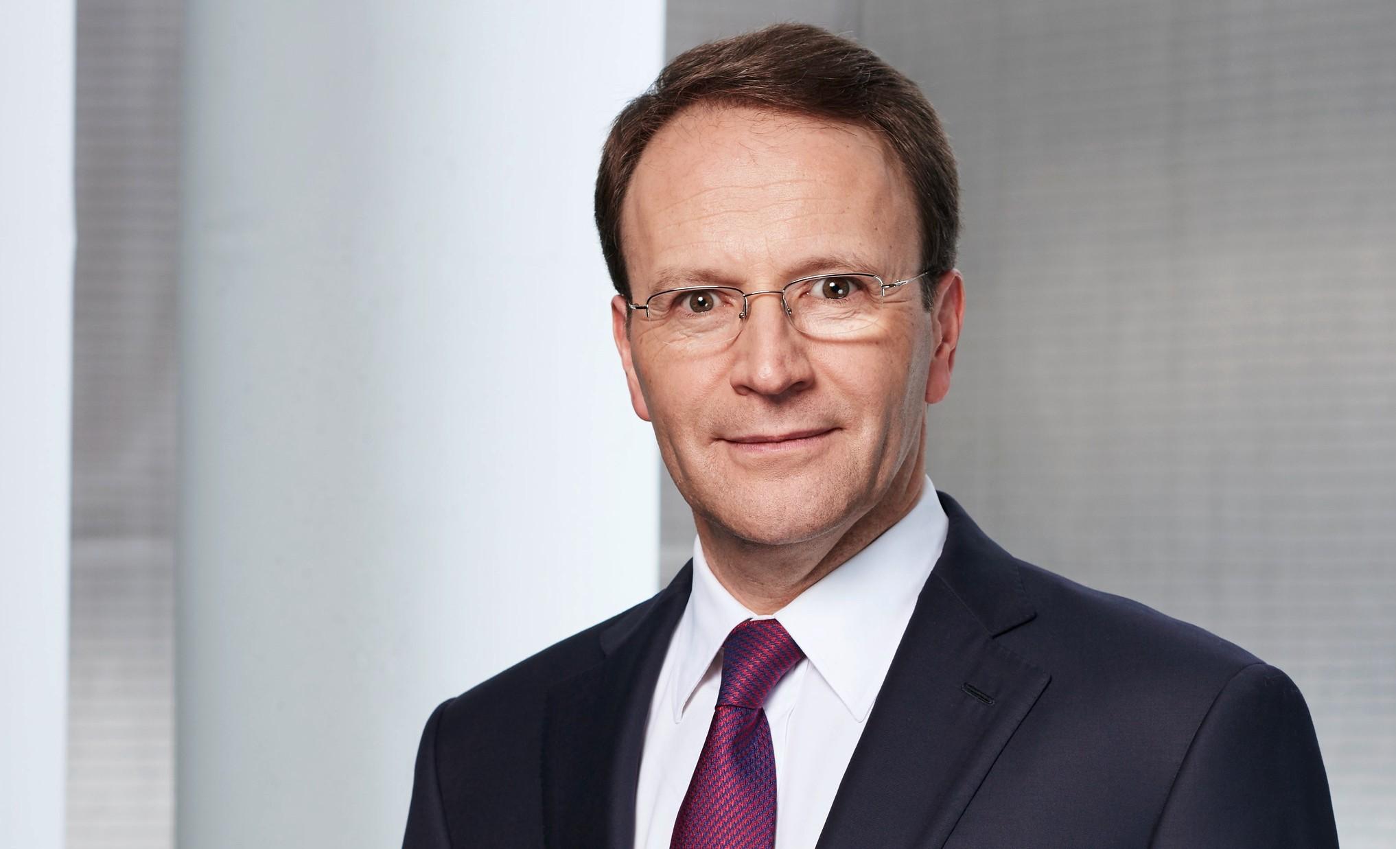 Ulf Mark Schneider, Nestle