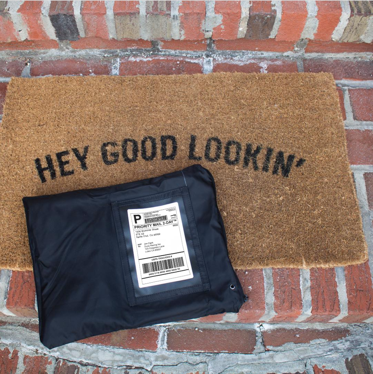 Returnity mailer on door step