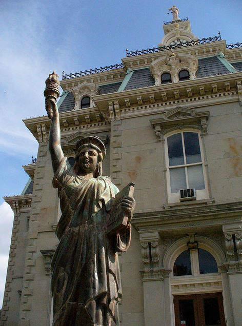 City Hall in Bloomfield, Iowa