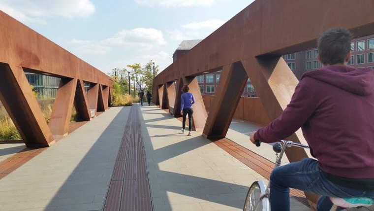 Pedestrian and cyclist bridge.