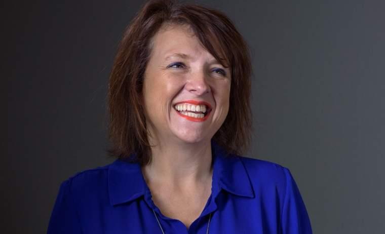 Julie Furber, Cummins