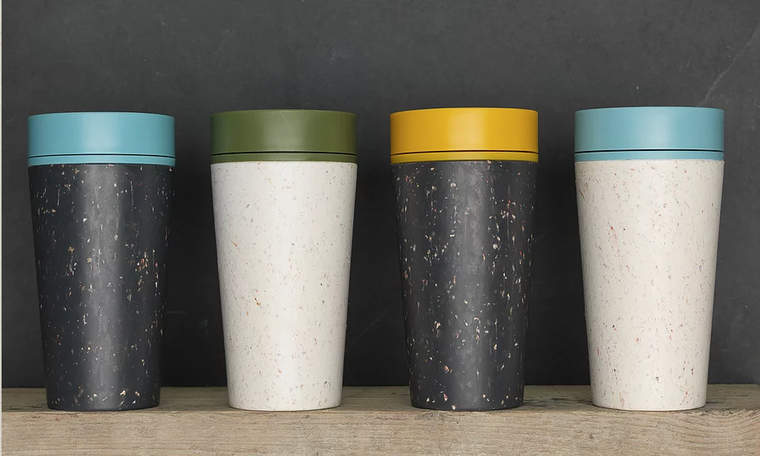 r.Cups in various colors
