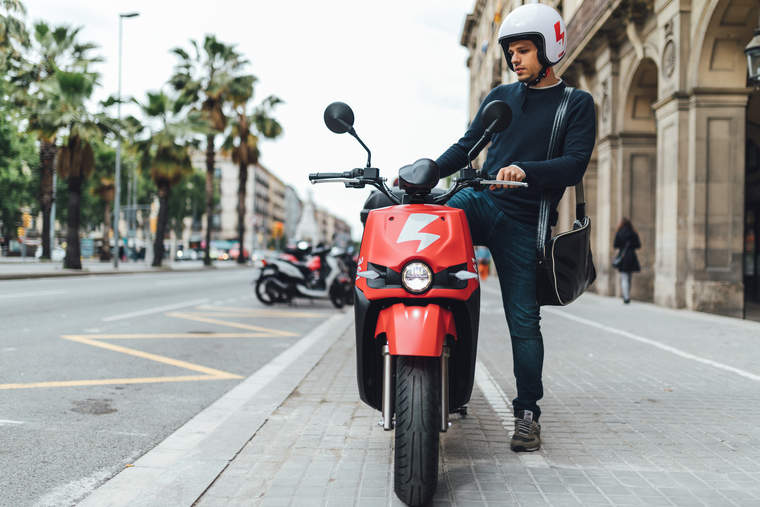 Scoot Networks launched an electric scooter and bike sharing network in Barcelona.