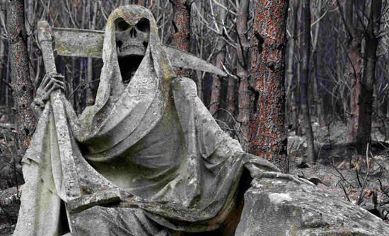 Statue of Grim Reaper looking ahead
