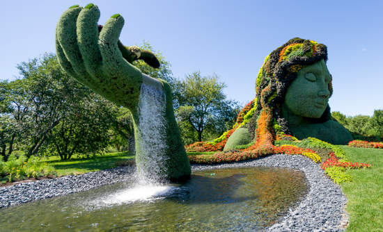 """""""Earth Mother"""" installation at the Mosaicultures exhibit at the Montreal Royal Botanical Garden in 2013."""