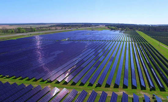 How Google and Walmart work with utilities to procure clean power
