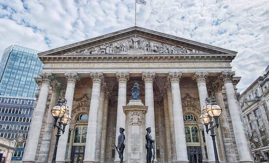 Building of the Royal Exchange in London
