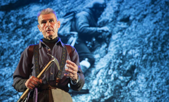 Nils Faarlund onstage at Framtanker