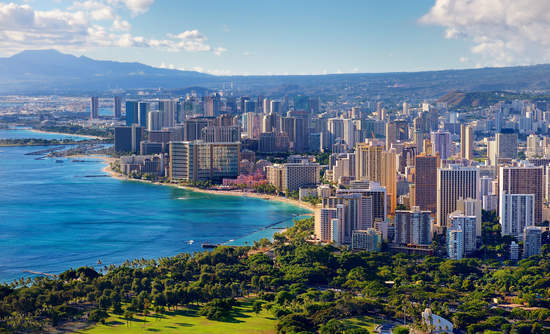 Honolulu Hawaii and fossil fuel-free islands