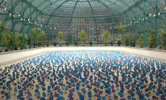"Alexandre Dang's ""Dancing Solar Flowers"" exhibit at the 2015 Art Biennale."