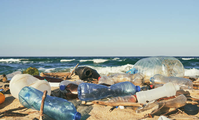 Tides of change: The global shift from single-use plastics featured image