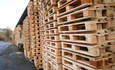 Wood Pallets vs. Plastic Pallets: The Battle Rages On featured image
