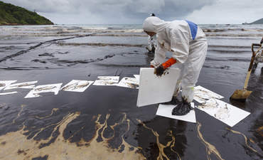 How cities and companies can clean up oil extraction featured image