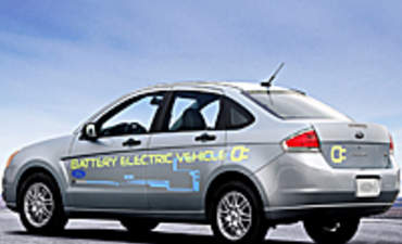 Electric Car Companies Use Partnerships to Boost Success featured image