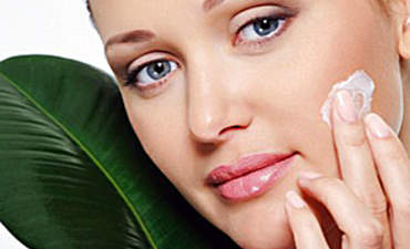 What Will It Take to Give the Skincare Industry a Green Makeover? featured image