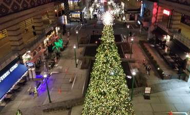 How this New York mall stays merry and bright, while saving energy featured image
