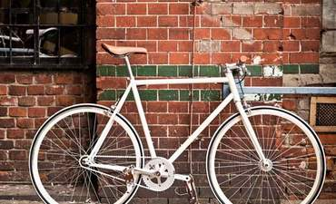 5 ways to make your business (more) bike friendly featured image