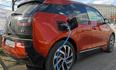 Efficiency and performance meet in BMW's electric i3 featured image