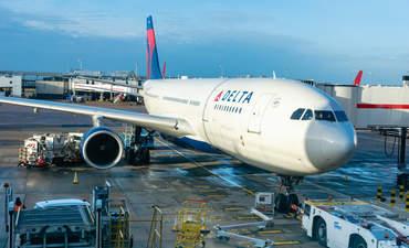 Delta, airplane, Heathrow, February 2020