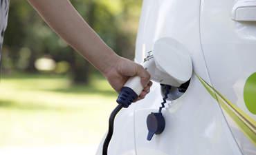 4 financial roadblocks for EV adoption featured image