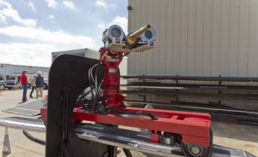 3 industrial robots making operations safer, cleaner and faster featured image