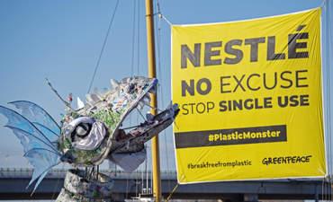 Greenpeace, Plastival, Nestle Banner