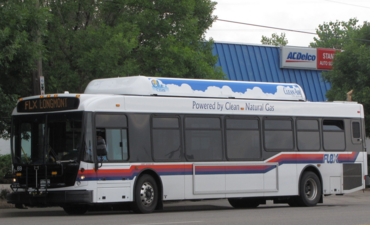 Scant climate benefits to natural gas-fueled buses and fleets featured image