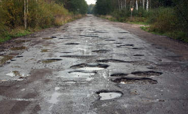 How electric vehicles could make America's crumbling roads even worse featured image