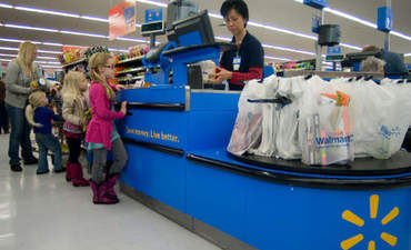 Walmart seeks to clear toxics from its shelves featured image