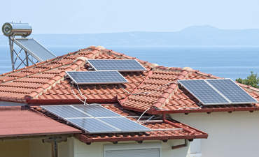 How innovative solar business models can benefit all featured image