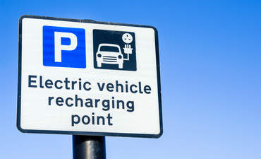 New solutions are needed to pair EVs and renewables featured image