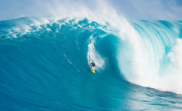 Hawaii big wave surf path to renewable energy