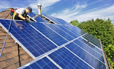 Obama renews goal to bring solar to low-income housing featured image