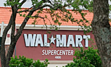 Walmart creeps forward on its sustainability goals featured image