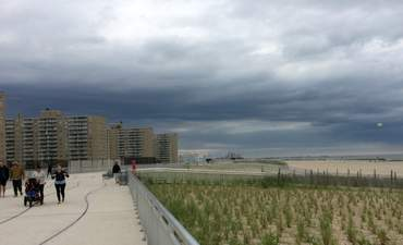 Iconic New York beach gets climate-resilient boardwalk featured image