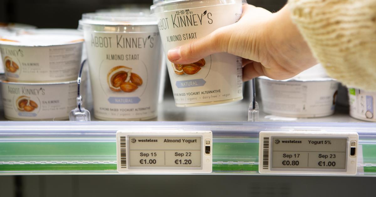 Wasteless yogurt jpg?itok=ebJZHw7W.