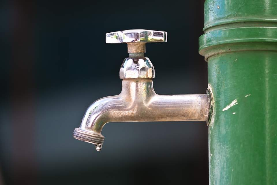 Why is water usage declining across the United States?
