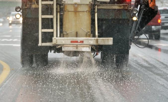 truck pouring out salt