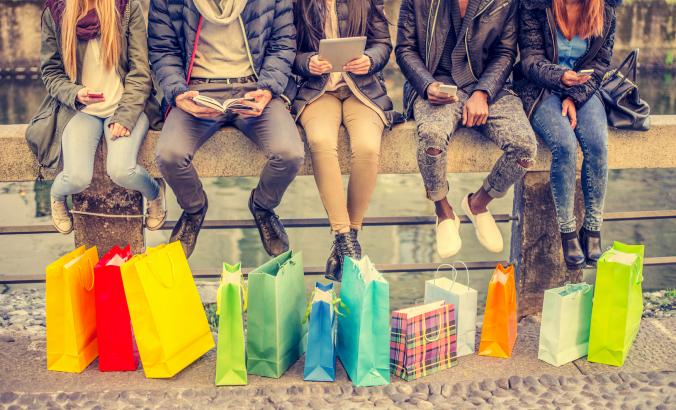 People with shopping bags