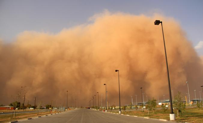Large dust storm blowing in