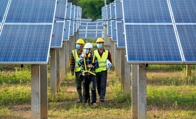 Clean energy jobs, solar field